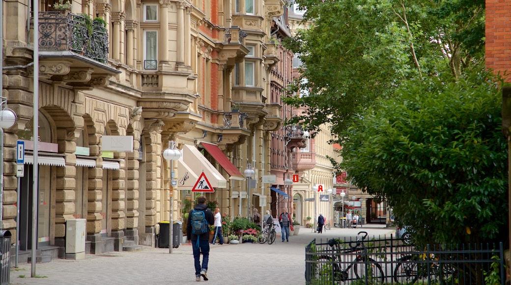 Eltville Am Rhein mit einem Stadt, Geschichtliches und Straßenszenen