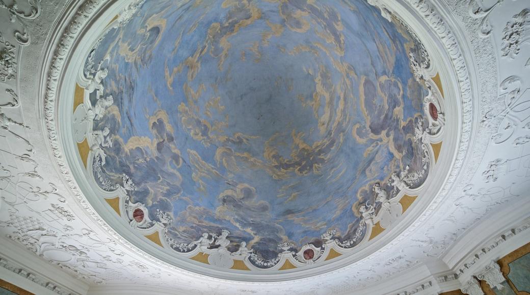Belvederen linna johon kuuluu taide, sisäkuvat ja perintökohteet