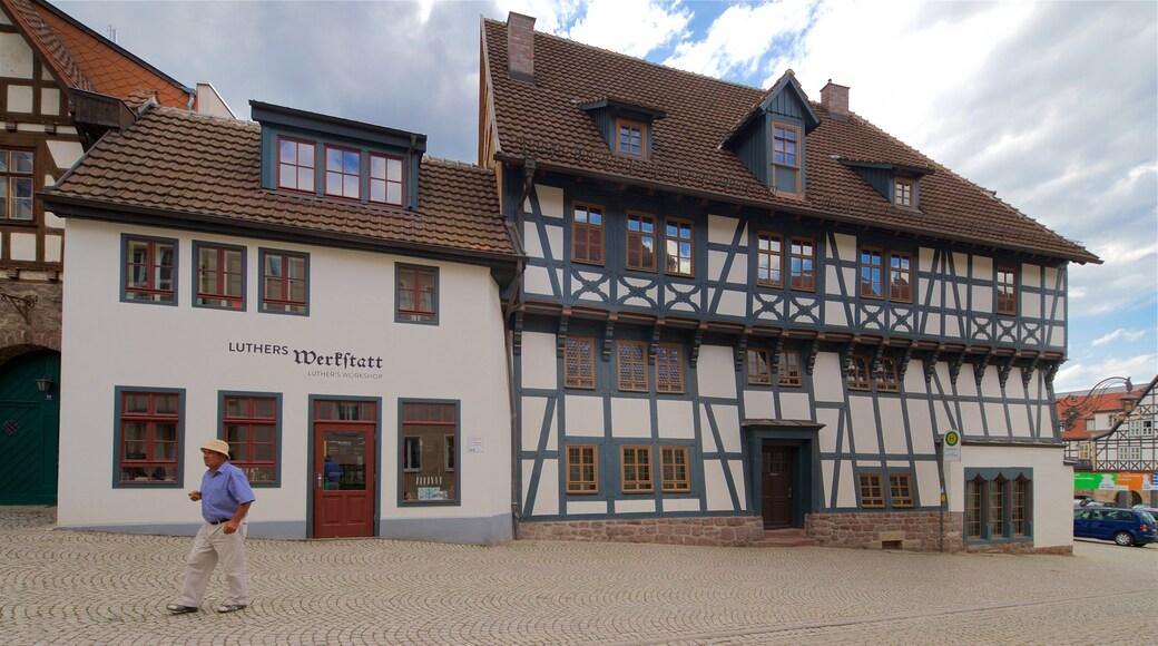 Lutherhaus welches beinhaltet Straßenszenen, Geschichtliches und Stadt