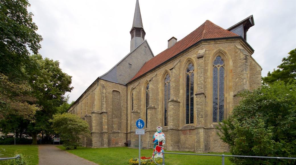 Münster mit einem historische Architektur und Kirche oder Kathedrale