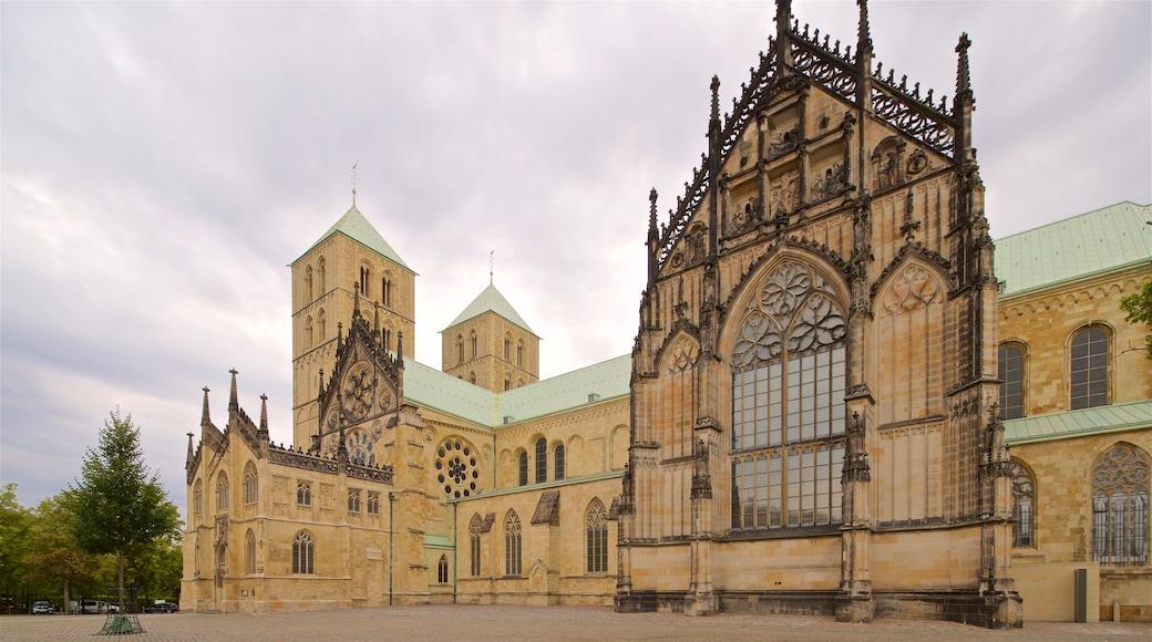 St.-Paulus-Dom Münster mit einem Platz oder Plaza, historische Architektur und Kirche oder Kathedrale