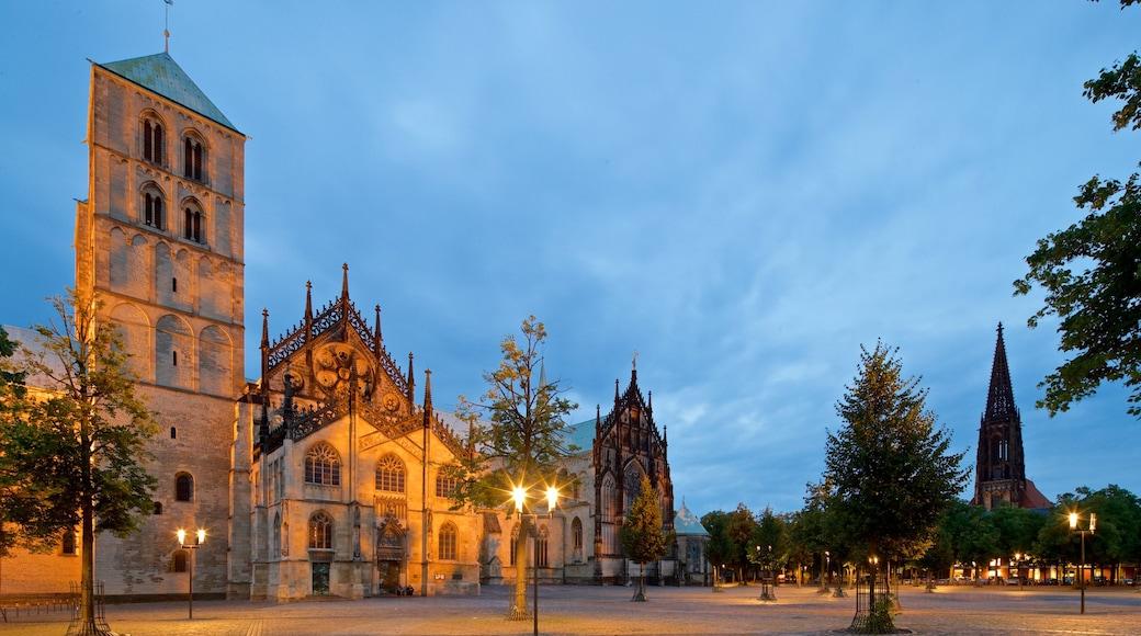 St.-Paulus-Dom Münster das einen Kirche oder Kathedrale, Platz oder Plaza und historische Architektur