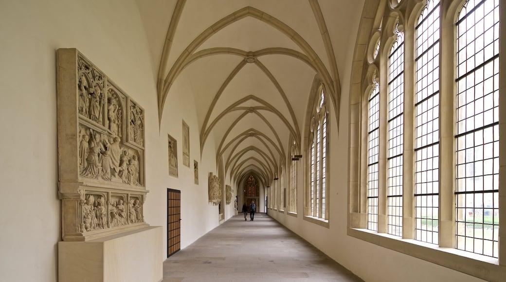 St.-Paulus-Dom Münster das einen Geschichtliches und Innenansichten sowie Paar