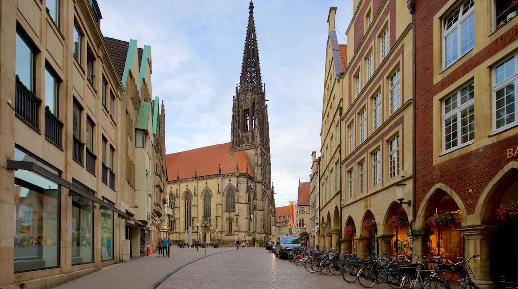St.-Lamberti-Kirche welches beinhaltet historische Architektur, Stadt und Kirche oder Kathedrale