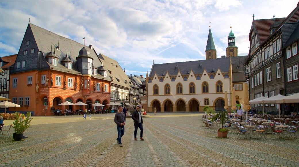 Goslar mit einem Geschichtliches, Platz oder Plaza und Straßenszenen