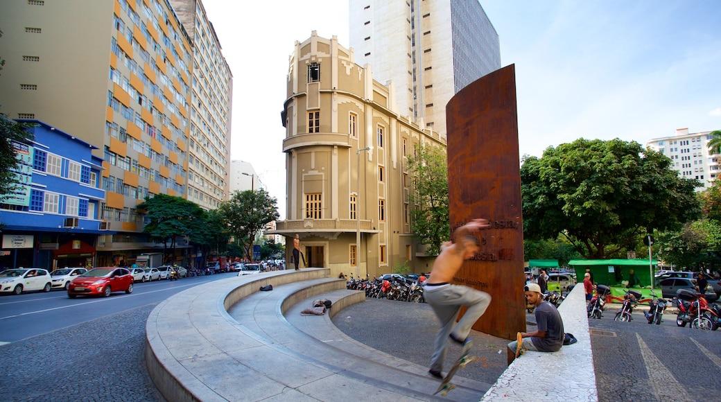 Museo Inima Paula que incluye arquitectura patrimonial y una ciudad