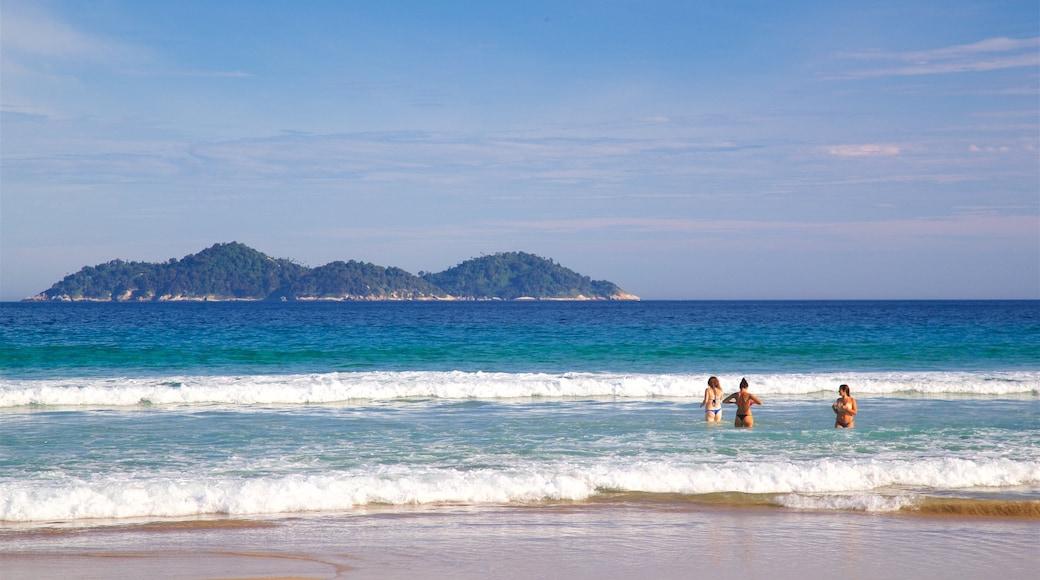 Strand von Lopes Mendes mit einem allgemeine Küstenansicht, Schwimmen und Inselansicht