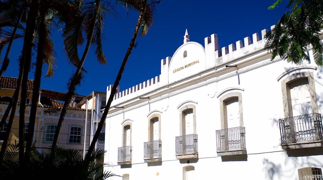 Rathaus von Angra dos Reis mit einem Geschichtliches