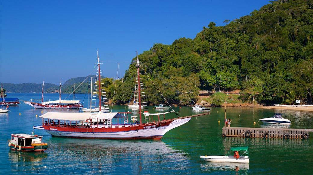 Strand von Bonfim mit einem Bucht oder Hafen