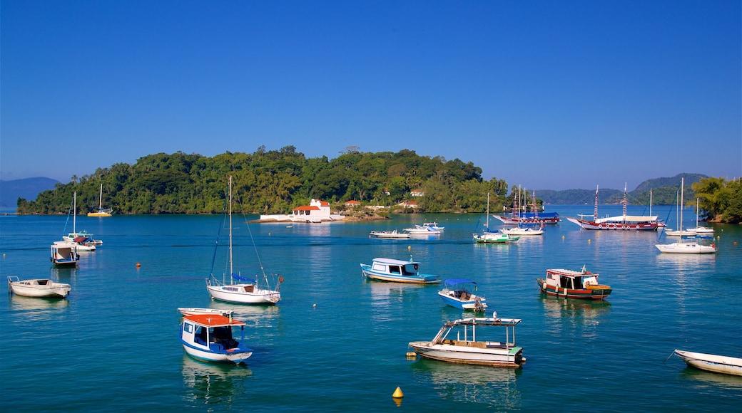 Strand von Bonfim welches beinhaltet Bucht oder Hafen und Inselansicht