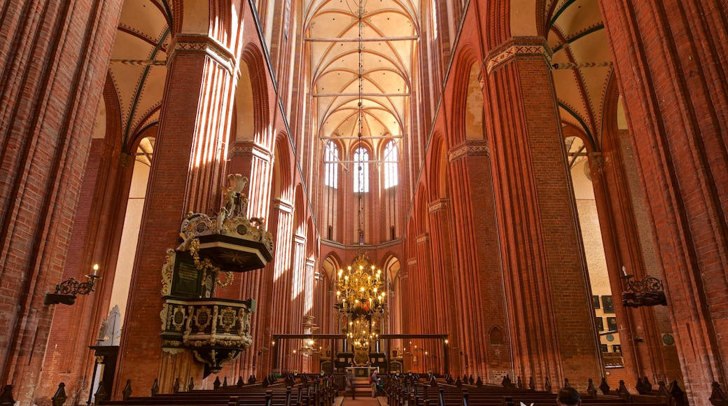St-Nikolai-Kirche featuring interior views, heritage elements and a church or cathedral