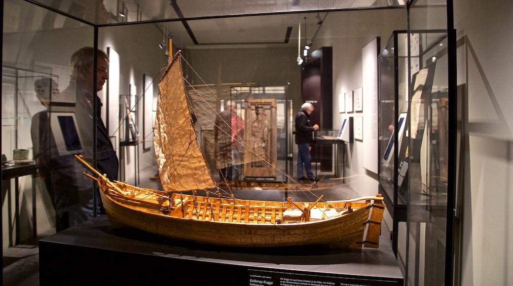 European Hansemuseum featuring interior views