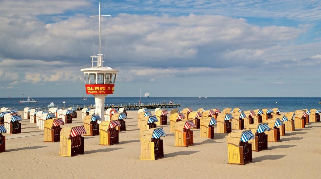 Travemünde joka esittää ranta ja yleiset rantanäkymät