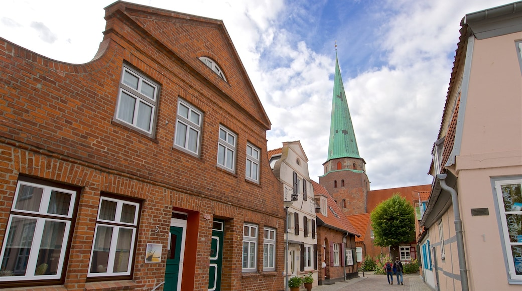 Travemuende which includes a church or cathedral