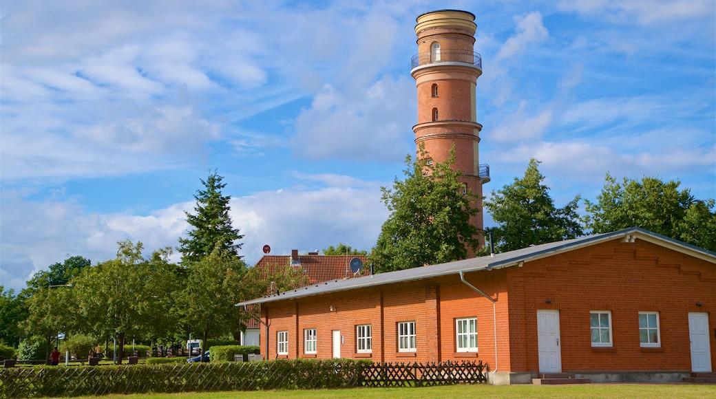 Alter Leuchtturm Travemünde welches beinhaltet historische Architektur