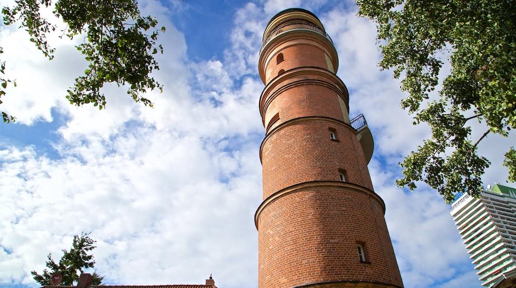 Alter Leuchtturm Travemünde mit einem historische Architektur