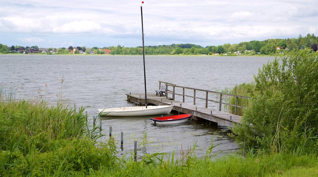 Scharbeutz mit einem See oder Wasserstelle
