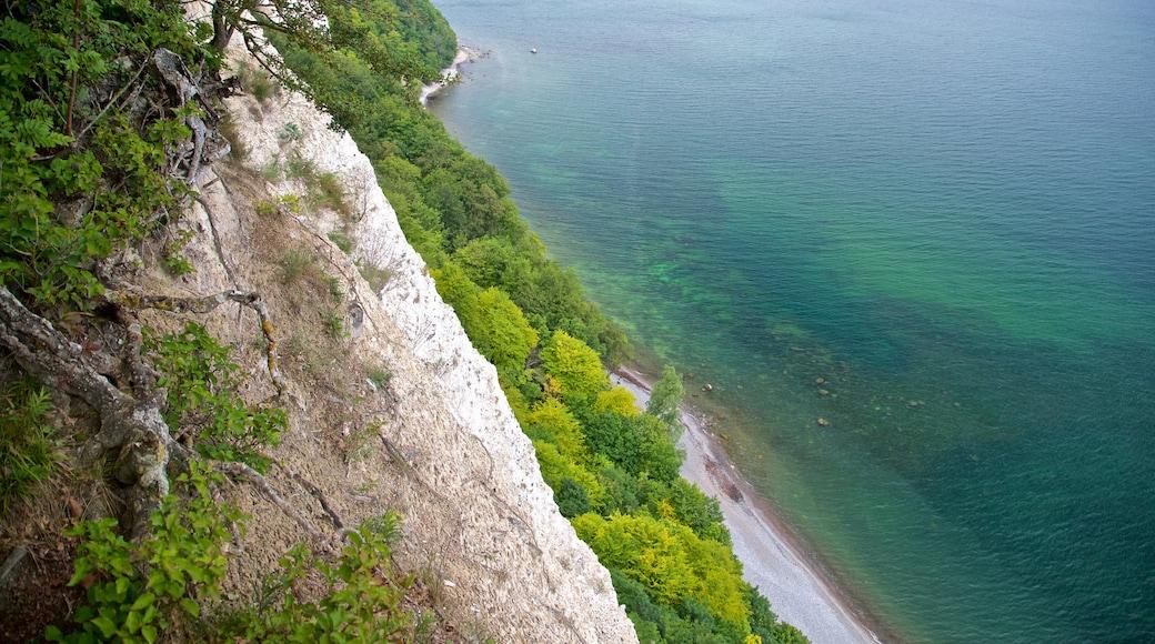 Parc national de Jasmund qui includes côte rocheuse et vues littorales