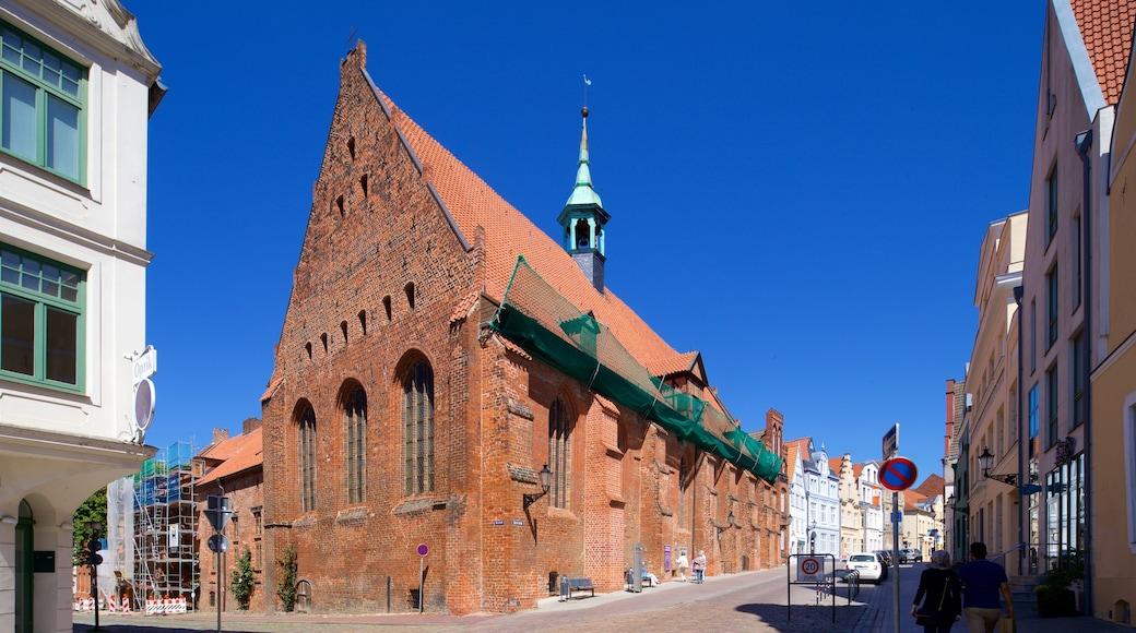 Heiligen-Geist-Kirche das einen historische Architektur und Kirche oder Kathedrale