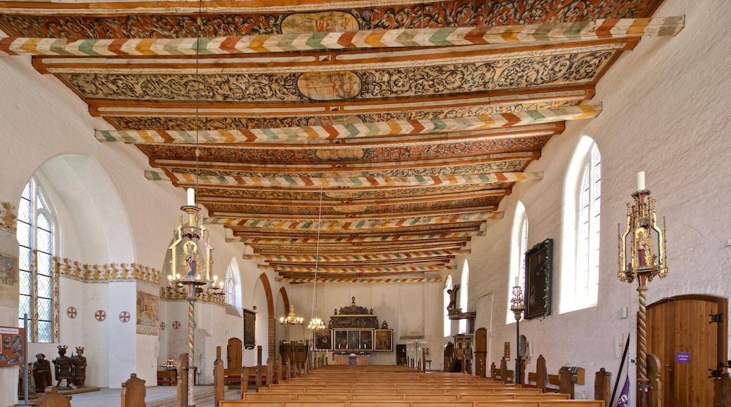 Heiligen-Geist-Kirche welches beinhaltet Kirche oder Kathedrale, Geschichtliches und Innenansichten