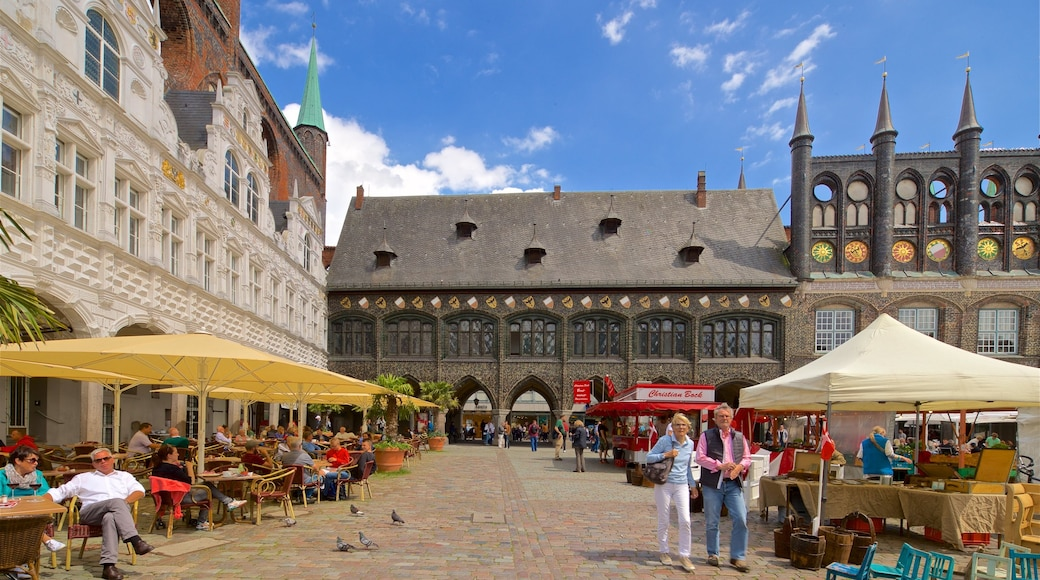 Rathaus which includes outdoor eating, a city and heritage architecture
