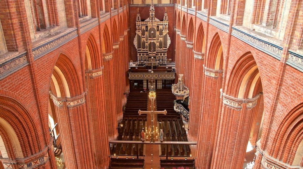 St-Nikolai-Kirche welches beinhaltet Geschichtliches, Kirche oder Kathedrale und Innenansichten