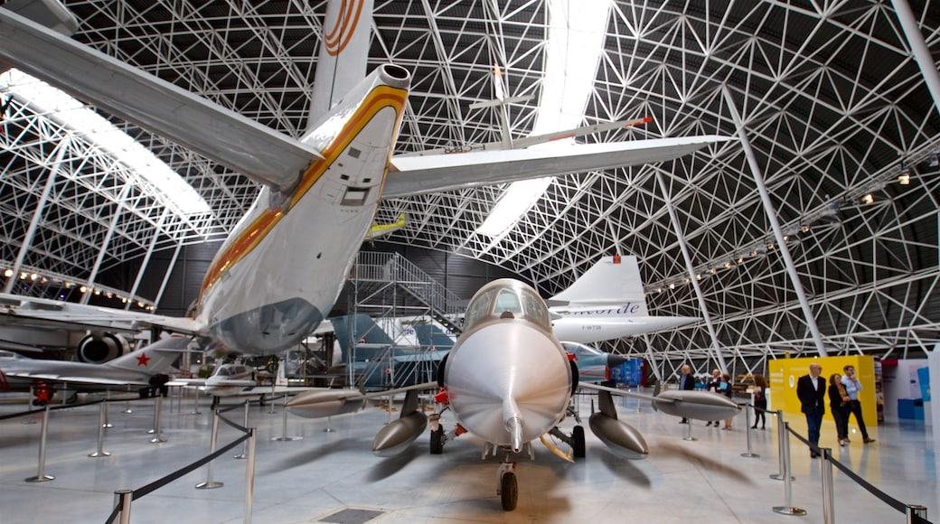 Airbus qui includes avion et vues intérieures