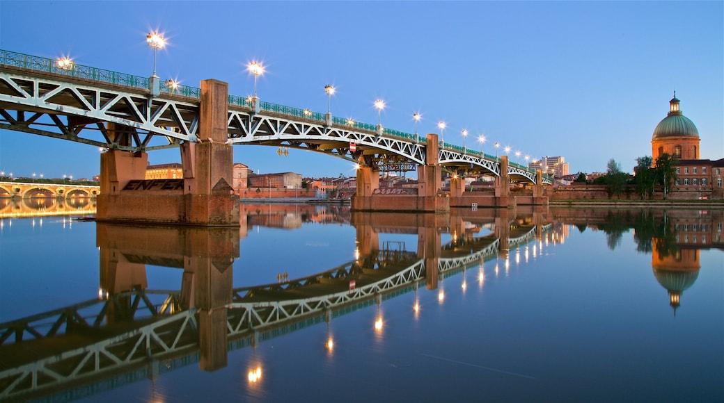 Garonne montrant pont, scènes de nuit et patrimoine architectural