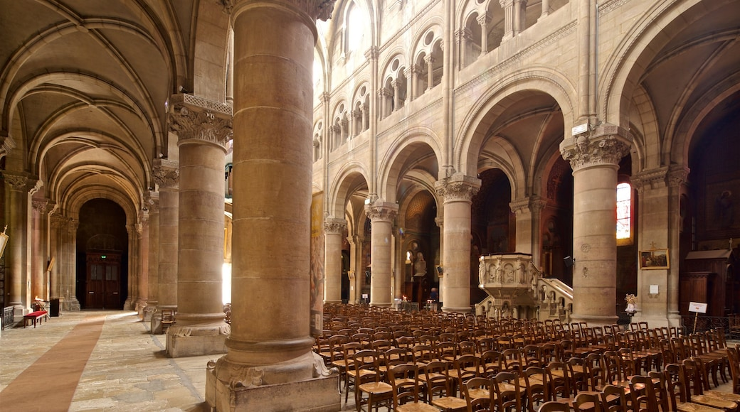 Macon which includes a church or cathedral, interior views and heritage elements