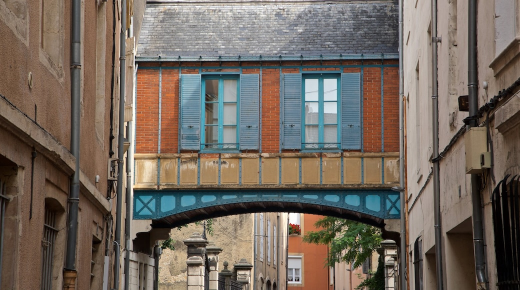Chalon-sur-Saône welches beinhaltet Stadt