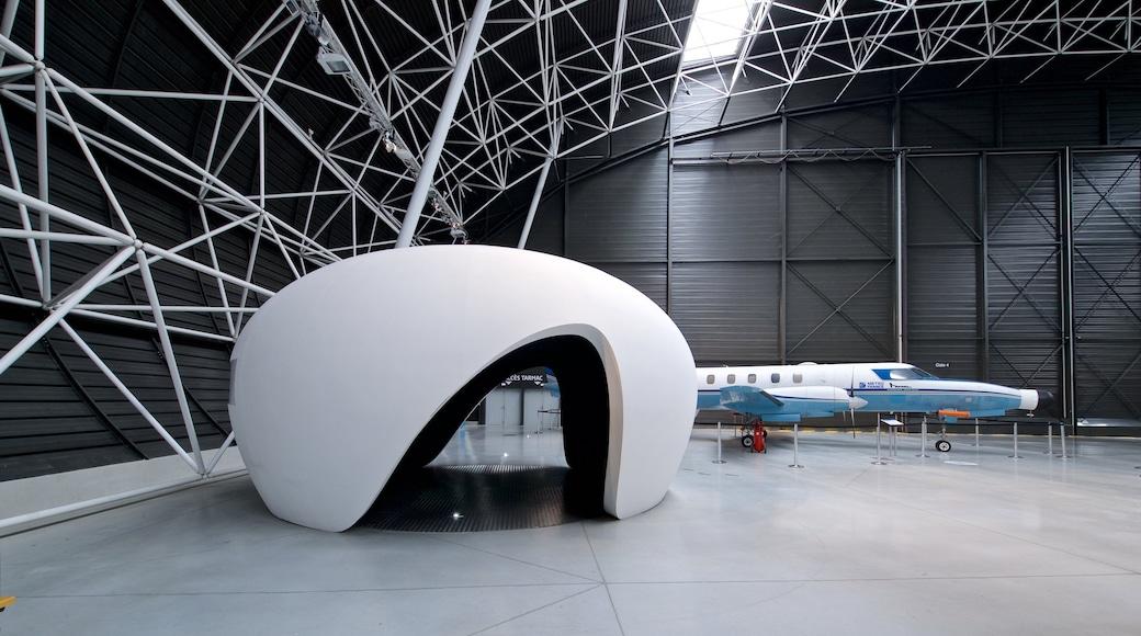 Airbus mettant en vedette avion et vues intérieures