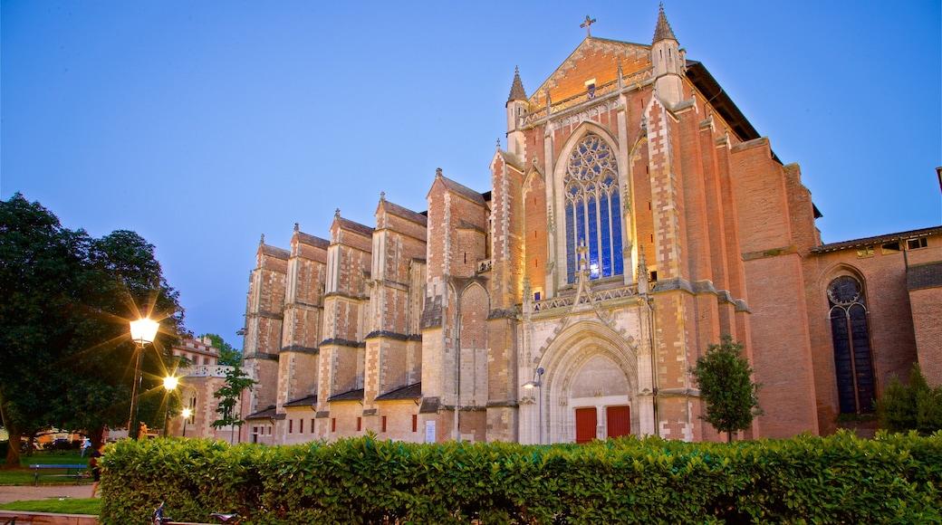 Cathédrale Saint-Etienne mettant en vedette église ou cathédrale, patrimoine architectural et scènes de nuit