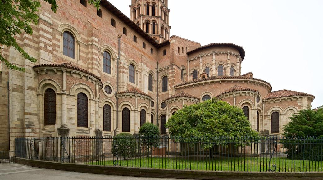 Basilique Saint-Sernin which includes heritage architecture