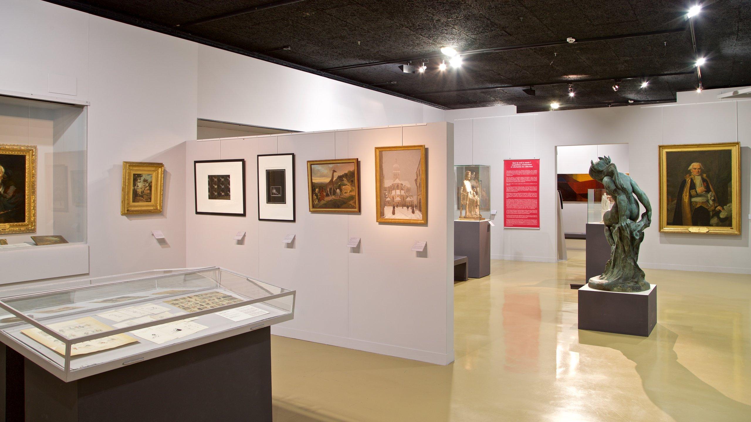 Cette collection d'art présente des œuvres des célèbres peintres locaux Félix Ziem et Hippolyte Michaud ainsi que des œuvres d'artistes de renommée internationale.