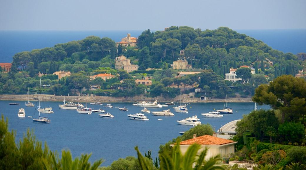 Monaco mettant en vedette vues d\'île, vues littorales et petite ville ou village