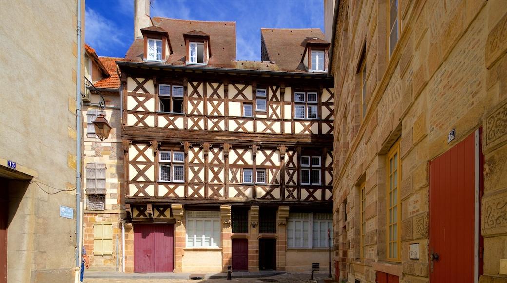 Moulins mit einem Geschichtliches