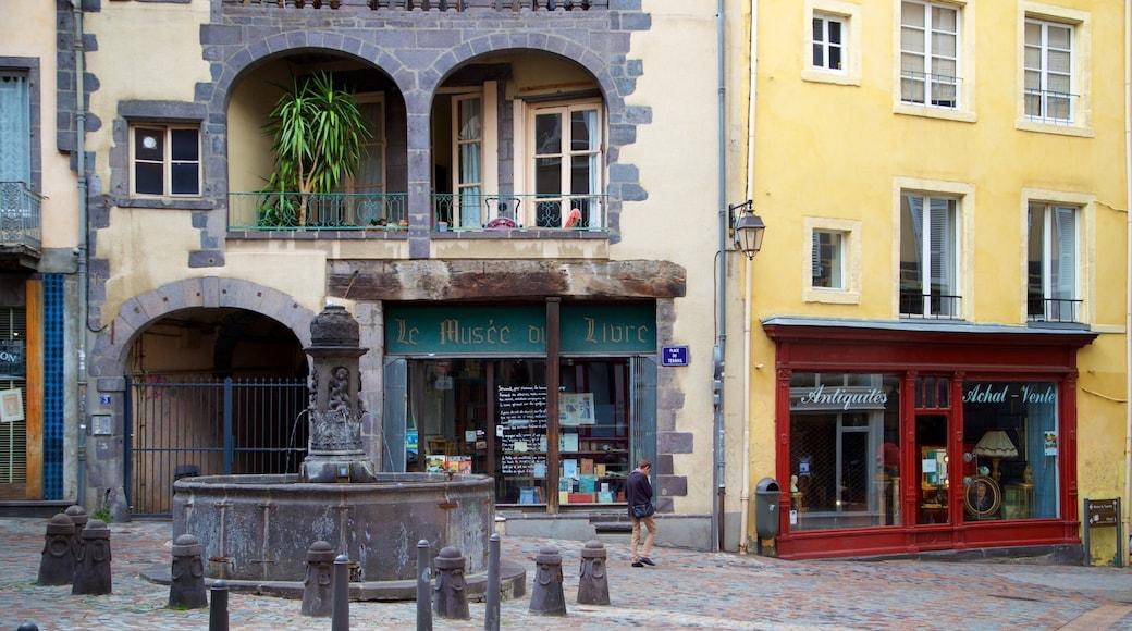 Clermont-Ferrand mettant en vedette fontaine