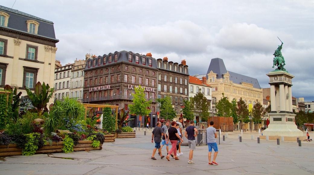 Place de Jaude qui includes monument, patrimoine historique et ville