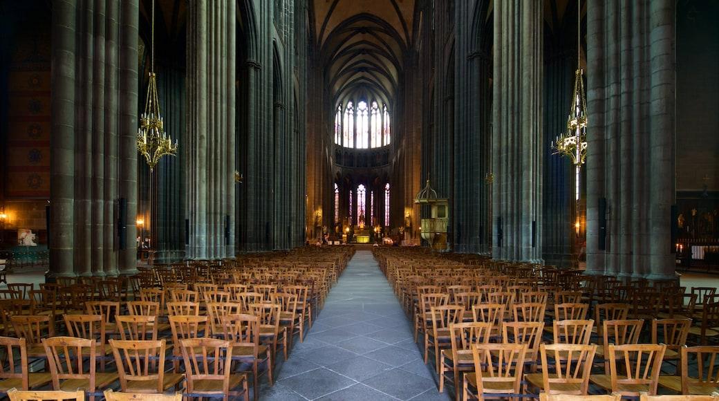 Cathédrale de Clermont-Ferrand montrant église ou cathédrale, vues intérieures et patrimoine historique