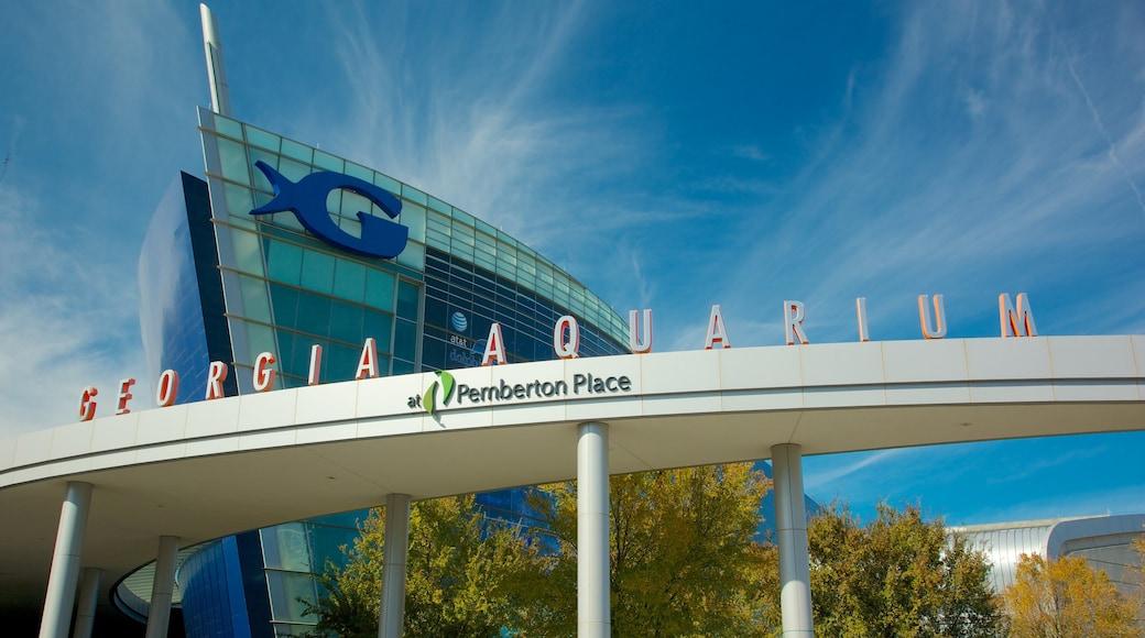 Georgia Aquarium featuring marine life and signage