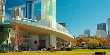 World of Coca Cola das einen zentrales Geschäftsviertel, Herbstfarben und Stadt
