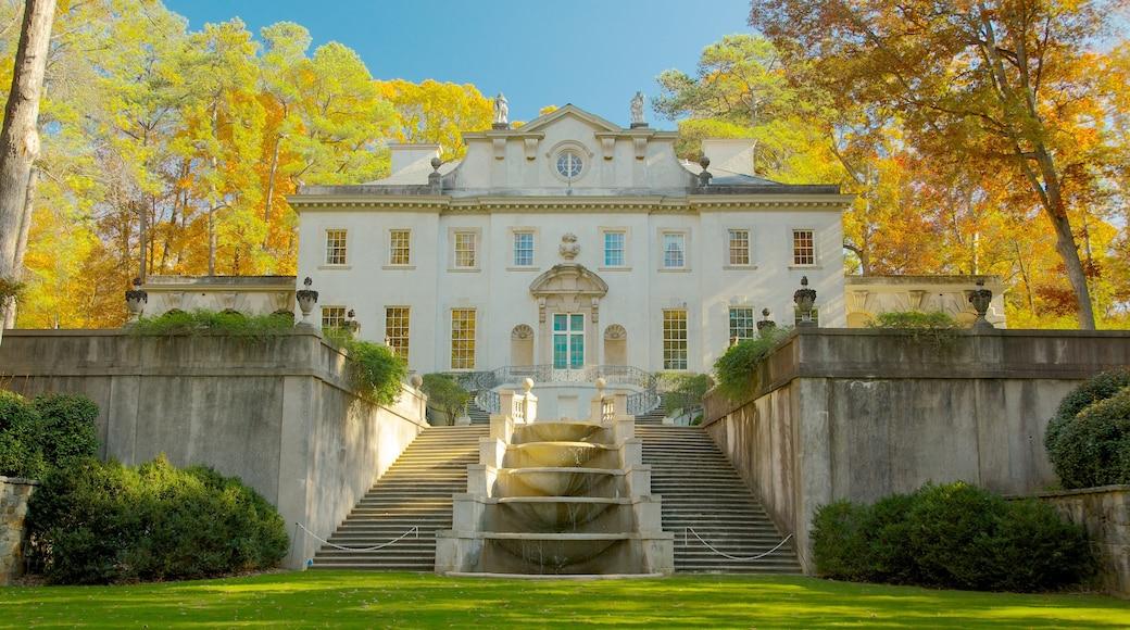 Atlanta History Center showing autumn colours and landscape views