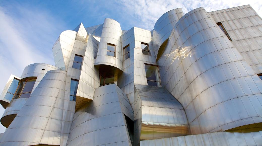 Weisman Art Museum som omfatter en by