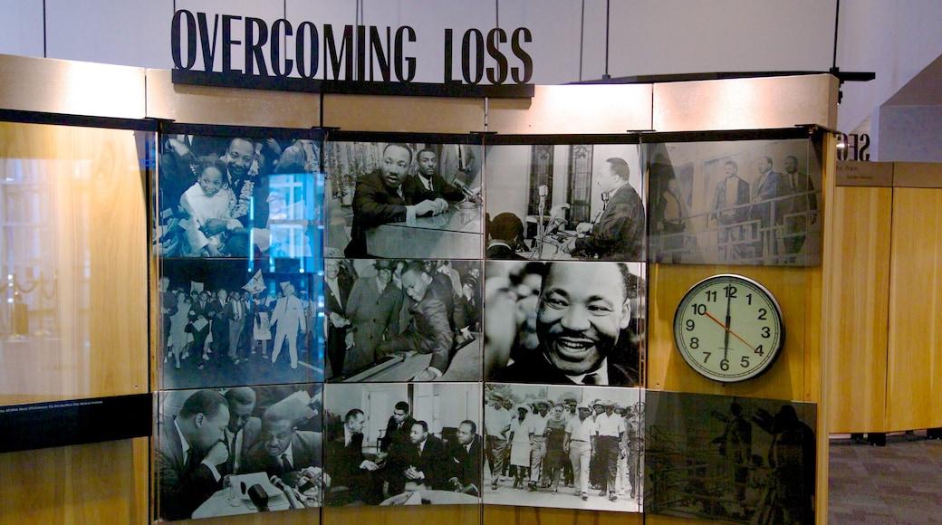 Martin Luther King Jr. National Historic Site mettant en vedette mémorial, vues intérieures et signalisation