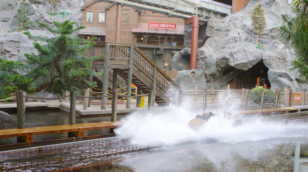 Nickelodeon Universe which includes a waterpark, rides and mist or fog