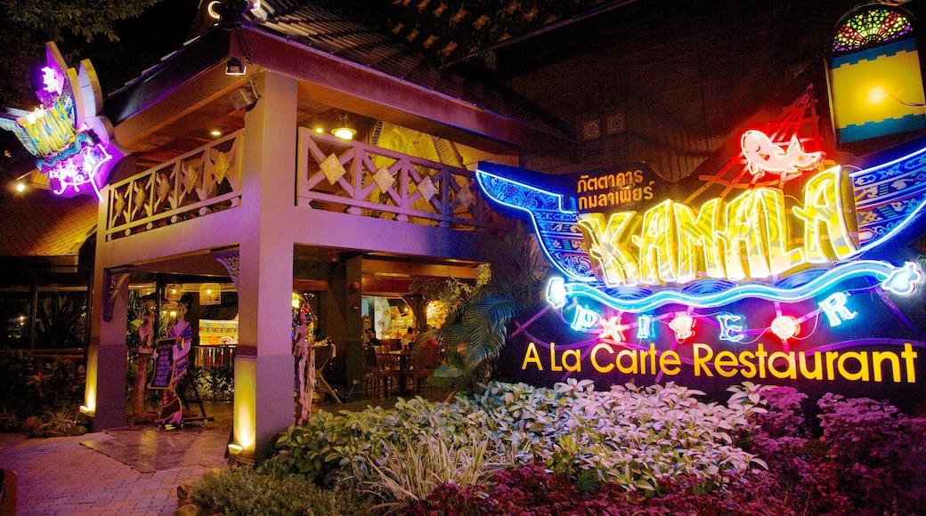 Phuket Fantasea caratteristiche di vita notturna, paesaggio notturno e segnaletica