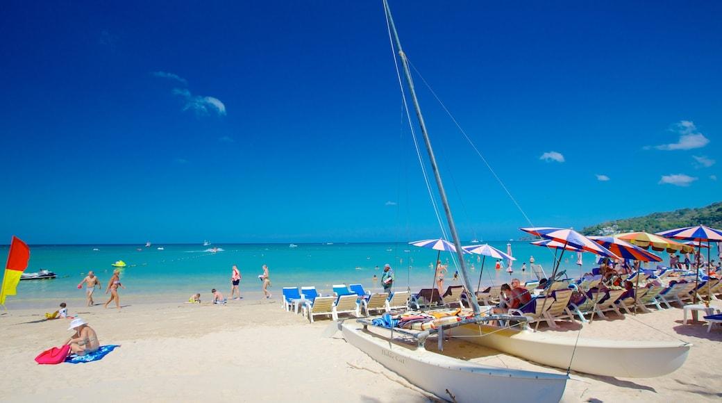 卡馬拉海灘 其中包括 沙灘, 游泳 和 海灣或海港