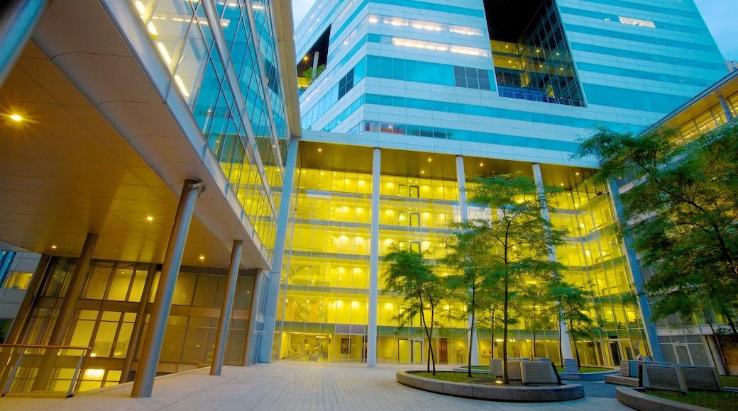 World Trade Center johon kuuluu moderni arkkitehtuuri ja hallintorakennus
