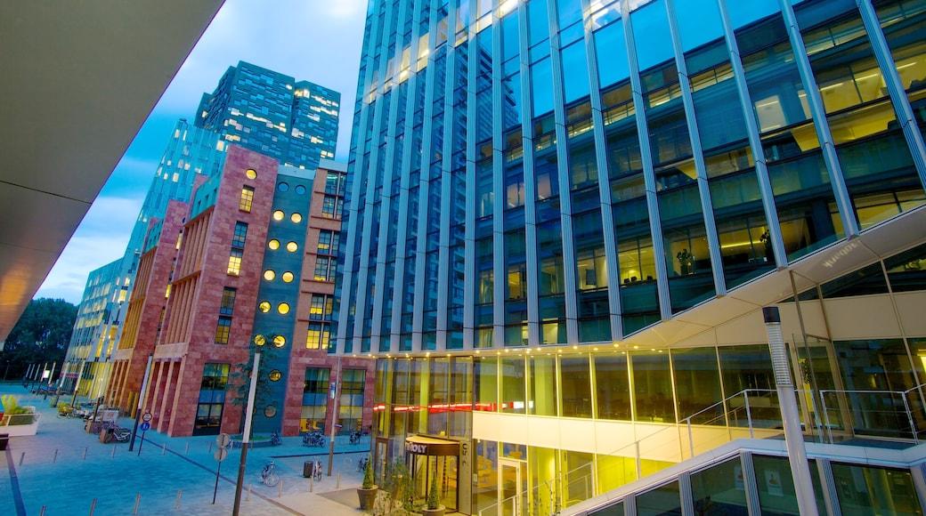 World Trade Center joka esittää kaupunki, pilvenpiirtäjä ja moderni arkkitehtuuri