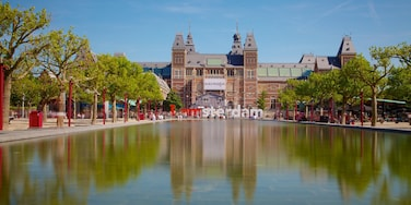 Rijksmuseum showing a pond, views and a city